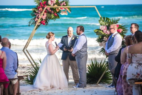 Natalie Matt Akiin Beach Club Tulum Wedding 18 500x333 - Natalie & Matt - Ak'iin Beach Club