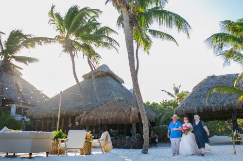 Natalie Matt Akiin Beach Club Tulum Wedding 21 500x332 - Natalie & Matt - Ak'iin Beach Club