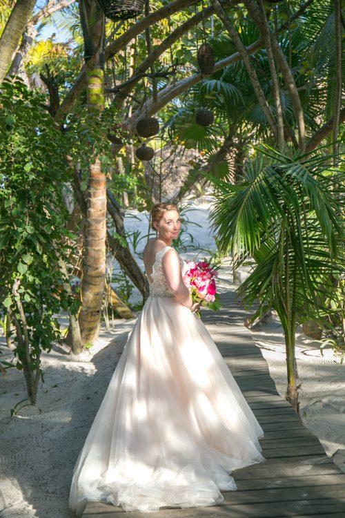 Natalie Matt Akiin Beach Club Tulum Wedding 4 500x750 - Natalie & Matt - Ak'iin Beach Club