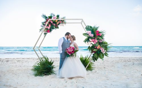 Natalie Matt Akiin Beach Club Tulum Wedding 9 500x310 - Natalie & Matt - Ak'iin Beach Club