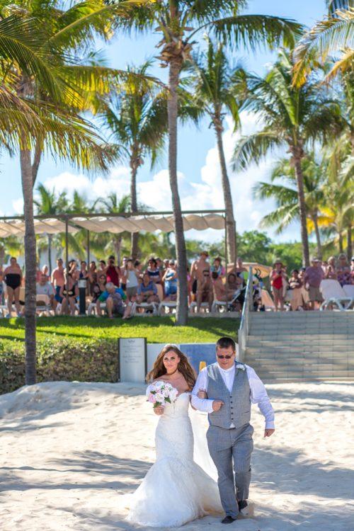 Georgia Josuha Hotel Riu Yucatan Playa del Carmen Wedding 08 500x750 - Georgia & Joshua - Hotel Riu Yucatan