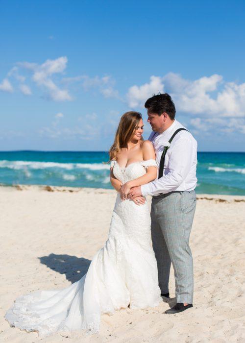 Georgia Josuha Hotel Riu Yucatan Playa del Carmen Wedding 13 500x700 - Georgia & Joshua - Hotel Riu Yucatan