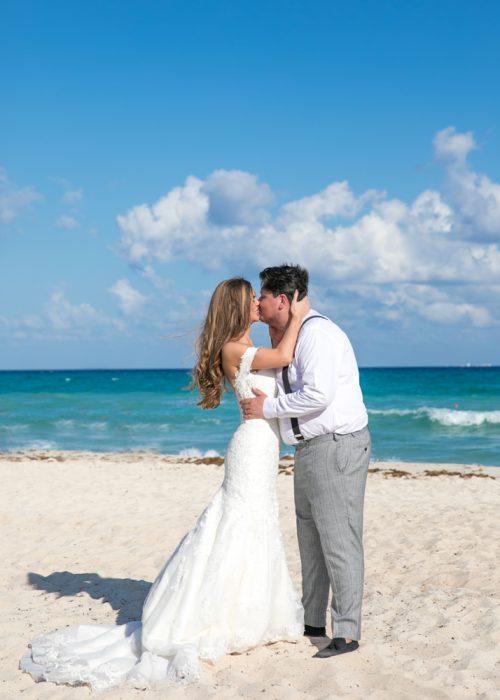 Georgia Josuha Hotel Riu Yucatan Playa del Carmen Wedding 14 500x700 - Georgia & Joshua - Hotel Riu Yucatan