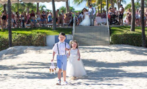 Georgia Josuha Hotel Riu Yucatan Playa del Carmen Wedding 4 500x304 - Georgia & Joshua - Hotel Riu Yucatan
