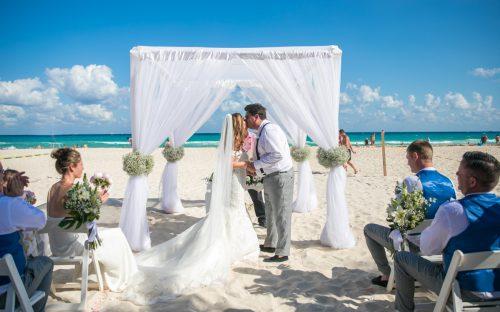 Georgia Josuha Hotel Riu Yucatan Playa del Carmen Wedding 7 500x312 - Georgia & Joshua - Hotel Riu Yucatan