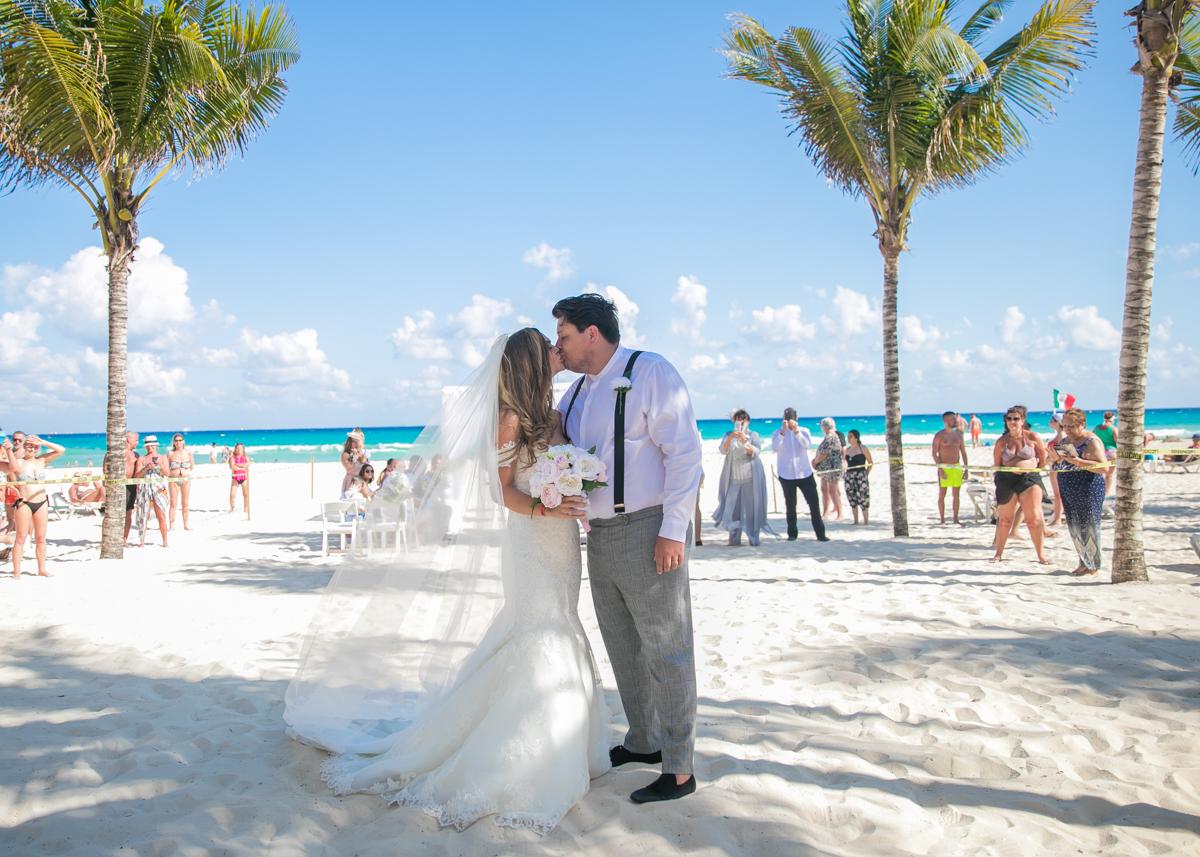 Georgia Josuha Hotel Riu Yucatan Playa del Carmen Wedding 8 - Georgia & Joshua - Hotel Riu Yucatan