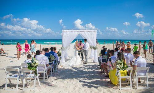 Georgia Josuha Hotel Riu Yucatan Playa del Carmen Wedding.5 500x304 - Georgia & Joshua - Hotel Riu Yucatan