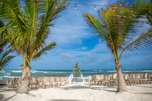 Alex Dylan Akiin Beach Club Tulum Wedding 16 500x333 - Alex & Dylan - Ak'iin Beach Club
