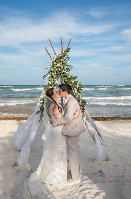 Alex Dylan Akiin Beach Club Tulum Wedding 8 1 500x760 - Alex & Dylan - Ak'iin Beach Club