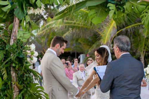 Vanessa Chris Akiin Beach Club Tulum Wedding 13 1 500x333 - Vanessa & Chris - Ak'iin Beach Tulum