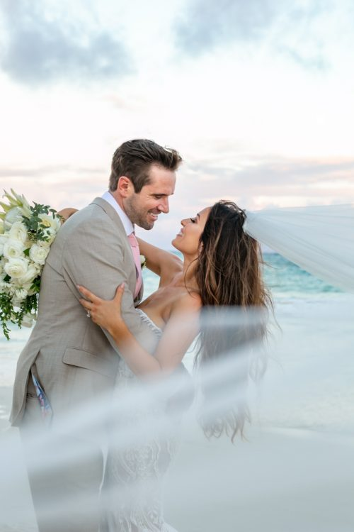 Vanessa Chris Akiin Beach Club Tulum Wedding 3 500x750 - Vanessa & Chris - Ak'iin Beach Tulum