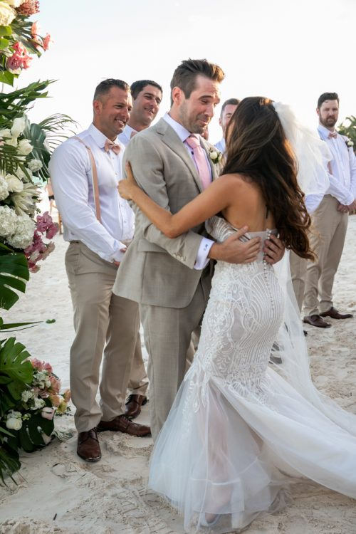 Vanessa Chris Akiin Beach Club Tulum Wedding 5 500x750 - Vanessa & Chris - Ak'iin Beach Tulum