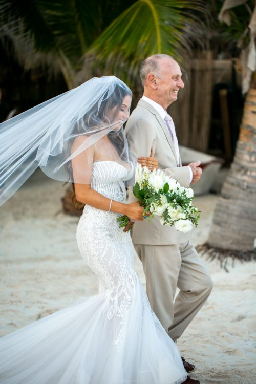 Vanessa Chris Akiin Beach Club Tulum Wedding 6 500x750 - Vanessa & Chris - Ak'iin Beach Tulum