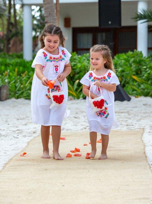Ginnie Reaves Mia Beach Club Tulum Wedding 10 1 500x670 - Ginnie & Reaves - Mia Beach Club