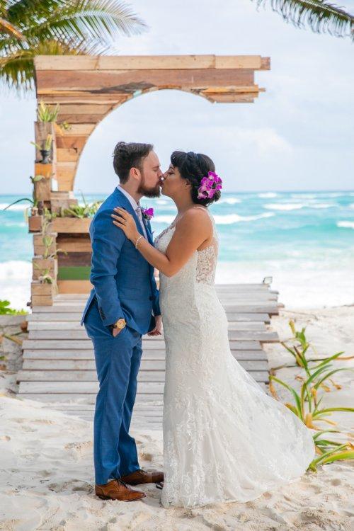 Ginnie Reaves Mia Beach Club Tulum Wedding 16 500x750 - Ginnie & Reaves - Mia Beach Club