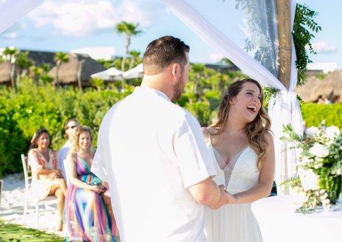 Lauren Zachary Riviera Maya Valentin Imperial Wedding 12 500x353 - Lauren & Zachary - Valentin Imperial Maya