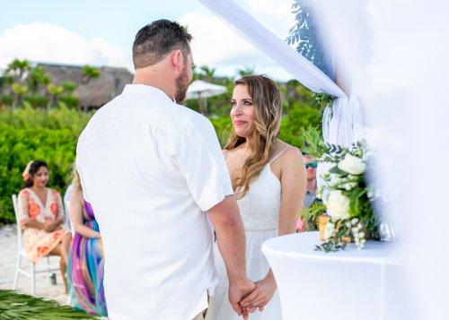Lauren Zachary Riviera Maya Valentin Imperial Wedding 13 500x357 - Lauren & Zachary - Valentin Imperial Maya