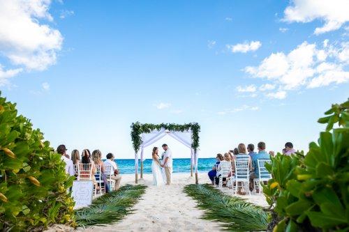 Lauren Zachary Riviera Maya Valentin Imperial Wedding 14 500x333 - Lauren & Zachary - Valentin Imperial Maya