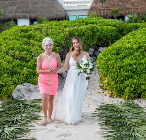 Lauren Zachary Riviera Maya Valentin Imperial Wedding 16 500x479 - Lauren & Zachary - Valentin Imperial Maya