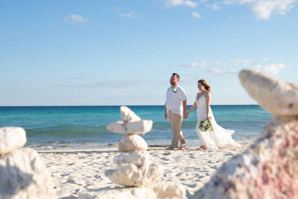 Lauren Zachary Riviera Maya Valentin Imperial Wedding 7 1 1024x683 - Coronavirus: Should You Cancel or Postpone Your Destination Wedding in Mexico?