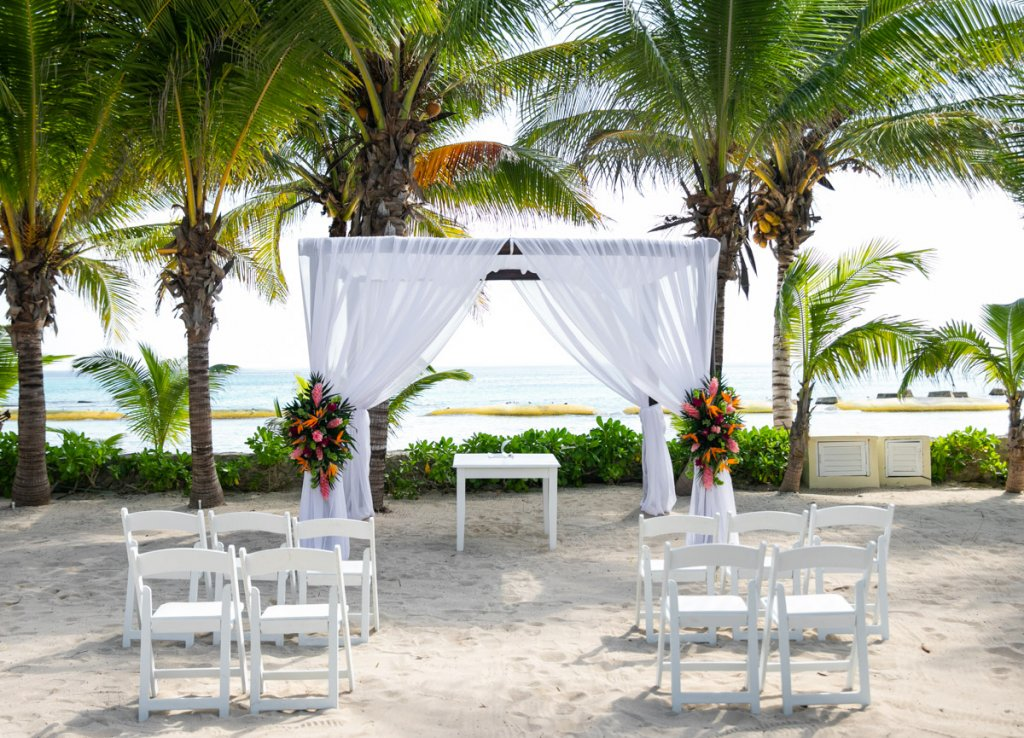 Shelli Kevin El Dorado Royale Cancun Wedding 10 1 1024x738 - 5 Simple Steps: How to Elope in Riviera Maya, Mexico