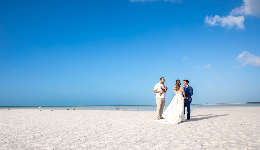 Vanessa Mike Villas Flamingos Holbox Wedding 15 1024x593 - 5 Easy Steps to Planning a Tulum Elopement