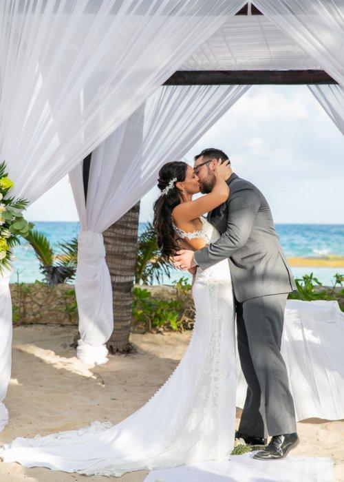 Sara Nathan El Dorado Royal Riviera Maya Wedding 10 500x700 - Sara & Nathan - El Dorado Royale
