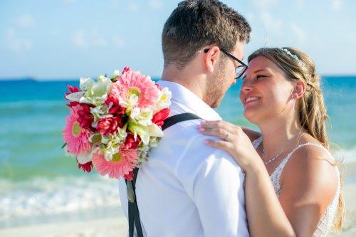Shelby Josh Sandos Playacar Playa del Carmen Wedding.01 500x333 - Shelby & Josh - Sandos Playacar