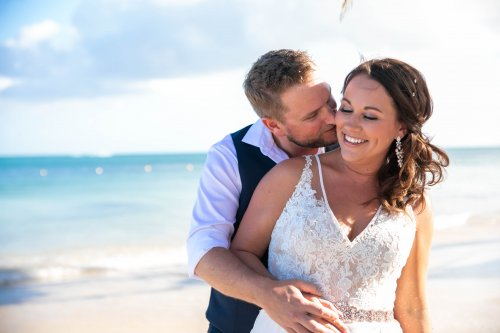 Beth Rob Margaritaville Island Reserve Riviera Cancun Wedding 21 500x333 - Beth & Rob - Margaritaville Island Reserve