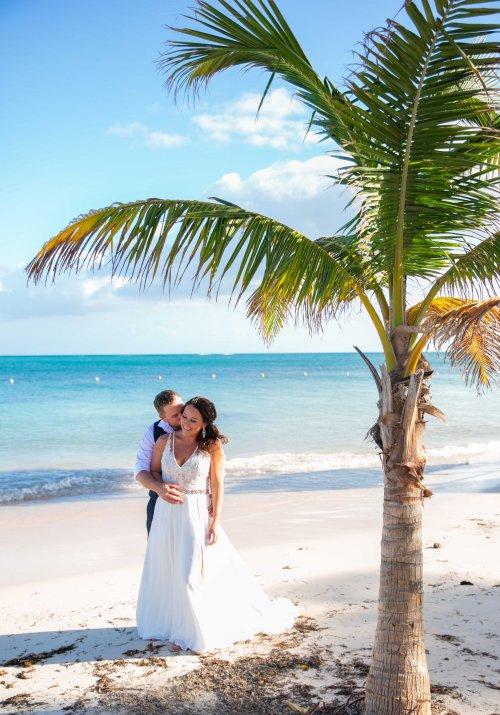 Beth Rob Margaritaville Island Reserve Riviera Cancun Wedding 22 500x715 - Beth & Rob - Margaritaville Island Reserve