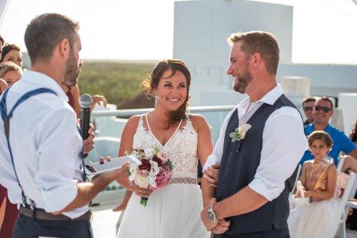 Beth Rob Margaritaville Island Reserve Riviera Cancun Wedding 25 500x334 - Beth & Rob - Margaritaville Island Reserve