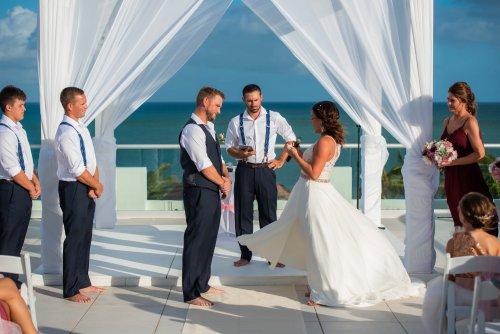 Beth Rob Margaritaville Island Reserve Riviera Cancun Wedding 26 500x334 - Beth & Rob - Margaritaville Island Reserve