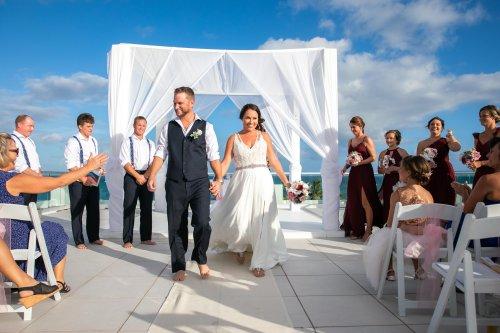 Beth Rob Margaritaville Island Reserve Riviera Cancun Wedding 29 500x333 - Beth & Rob - Margaritaville Island Reserve