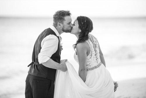 Beth Rob Margaritaville Island Reserve Riviera Cancun Wedding 42 500x334 - Beth & Rob - Margaritaville Island Reserve